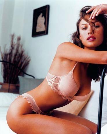 Yeni Bond filmi seçmelerinde yönetmen Marc Forster'ın gözüne giremediğini düşünen Olga'ya iyi haber geçen yıl sonunda verildi. Olga, Şili'de çekimleri süren filmde Camille rolünü oynuyor.